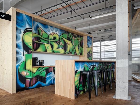 FOTO: 8 designových firemních kuchyněk
