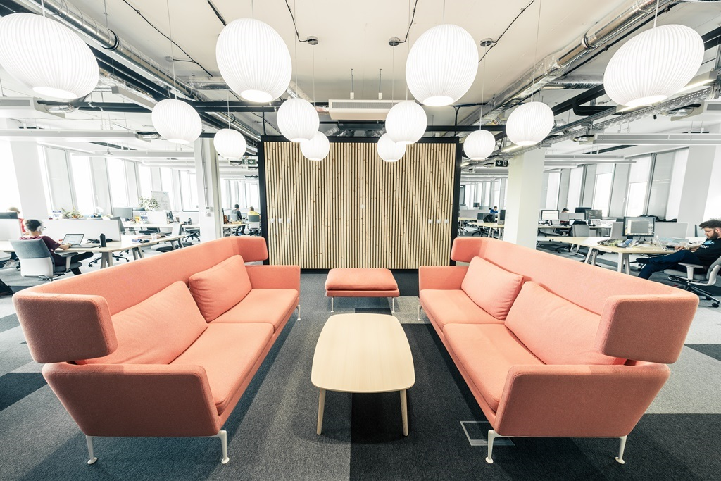 STRV-office4