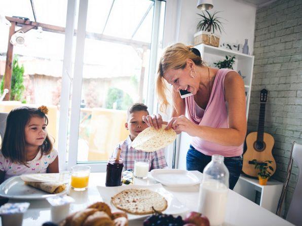Jak zvládnout zářijový kolotoč: plánujte a vzbuďte děti dřív